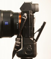 Sony A7R rear LCD articulation with Meike battery grip