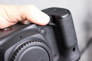 "Hidden ""trap door"" on the body of the Canon 5D Mark IV"